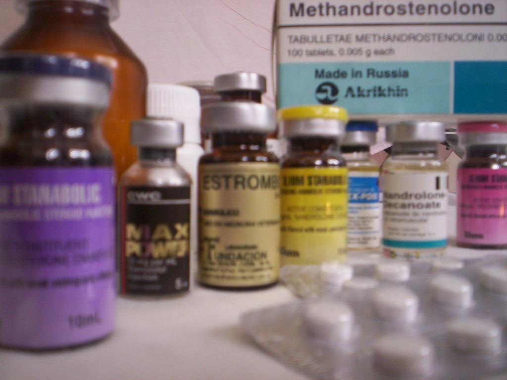 As substâncias são de fácil acesso, encontradas até mesmo dentro das academias.  Foto: Google Imagens