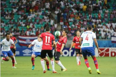 Diogo Oliveira em jogada no meio de campo. Foto: Grêmio Esportivo Brasil