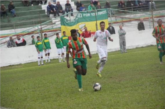 Fuca tentará levar o Farroupilha à Divisão de Acesso 2018. Fonte: Gustavo Louzada/Rede Esportiva.