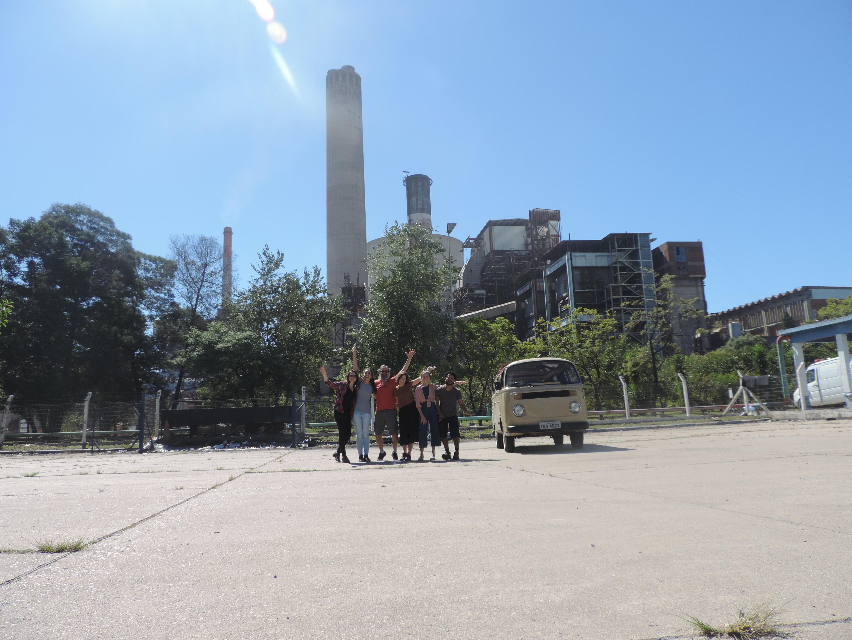 Figura 1. Viagem a Candiota 10/04/19, com a usina de carvão Presidente Médici ao fundo.