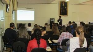 Palestra de Daniel Schuch da Silva, mestrando do programa e membro da comissão organizadora do evento