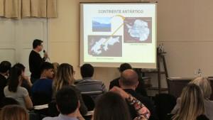 O discente Marco Aurélio Ziemann dos Santos, doutorando do PPGBBio, iniciou o ciclo de palestras dos alunos.